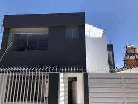 Casa de dos pisos en estreno
