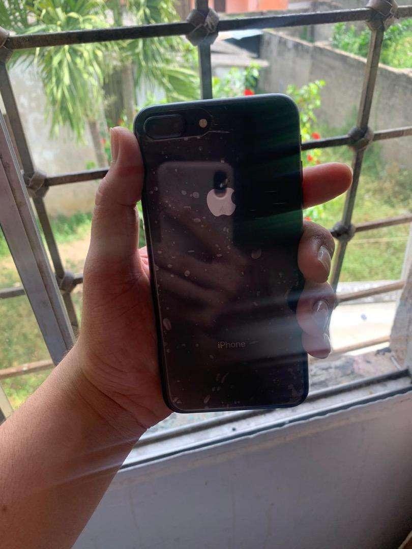 Iphone 8 plus 64GB Black 0