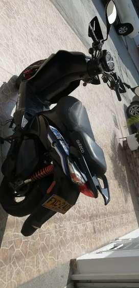 Se vende moto agiliti, modelo 2014. Una moto que esta como nueva, es de poco uso. Unicamente tiene tarjeta de propiedad