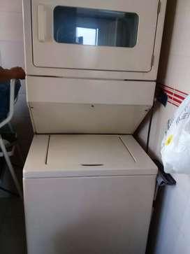 Vendo lavadora con secadora Whirlpool