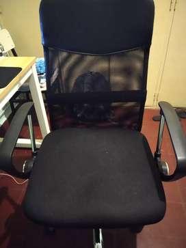 Vendo silla de oficina y escritorio