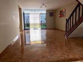Casa en Alquiler Para Empresas en Urbanización Las Quintanas - Trujillo