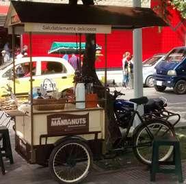Triciclo de carga delantera equipado