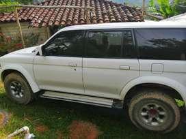 Vendo Mitsubishi Nativa. 1999