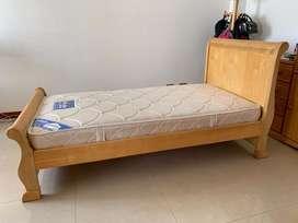 Cama cuna en cedro, corral y barandas. Con colchón 100 x 190