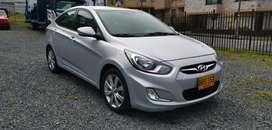 Hyundai I 25 Full