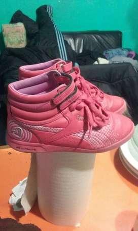 Vendo Zapatillas Reebok Numero32