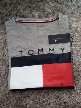 Suéter de dama Tommy talla M y L