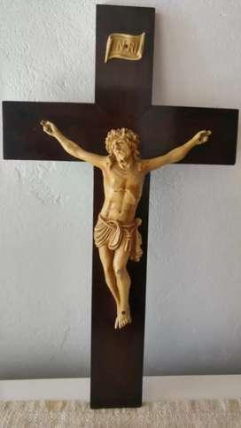 Crucifijo Antiguo de Madera