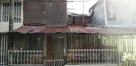 Se vende casa en el barrio la fachada