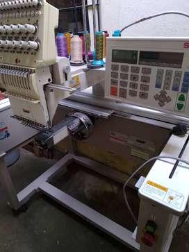 Maquina bordadora marca SWF