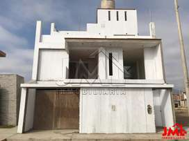 Casa EN Casco EN LA Urb. LA Estancia - Centenario / Huanchaco Frente AL Colegio Ramon Castilla