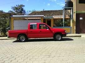 Vendo camioneta mazda doble cabina / Placas de Loja