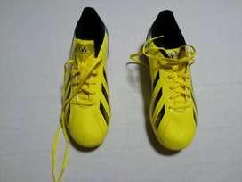 Guayos Adidas nuevos sin etiquetas originales