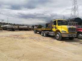 tractomula freightliner M2 en buen estado