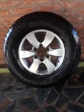 Rueda Completa Toyota Hilux Michelin R16