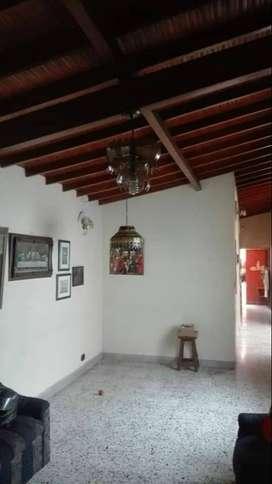 Se vende casa en el Barrio danubio – américa.