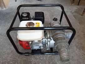 Se vende  Bomba De Agua Daishin Scr-80hx Motor Honda Gx160, en perfecto estado, como nueva