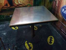 GANGAZO  3 mesas estructura metalica  ,mesa madera ,superficie aluminio