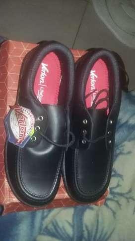 Dos pares de zapato nuevos