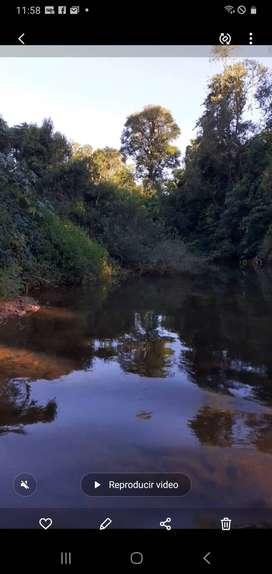 Se vende hermoso lugar para  turismo muy linda agua