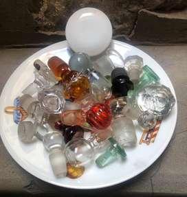 Tapas de frascos de perfume i licoreras antiguas