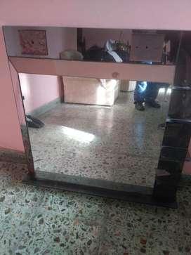 Espejo 90 x 93 cm con estantes