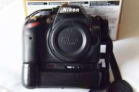 Nikon D3200 con Battery Grip , 2 baterias y 2 lentes...