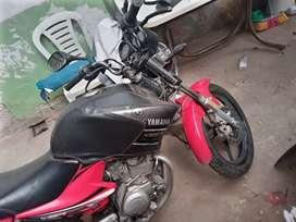 Vendo o permituo Yamaha 125 como nueva