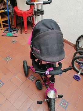 Triciclo marca MAXYBABY