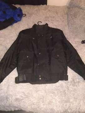 Se venden chaquetas para moteros