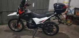 Vendo permuto ZR 250 LT