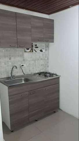 Una habitacion, baño, cocina, sala