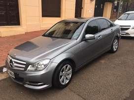 Vendo Mercedes Benz C200, impecable