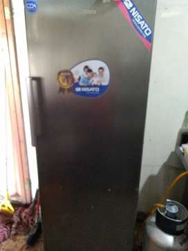 Vendo Nevera Freezer Nisato NEGOCIABLE