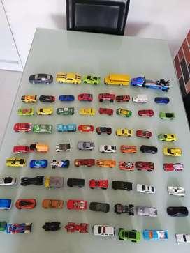 Carros hot wheels y matchbox