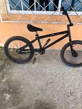 bicicleta tipo BMX 10/10