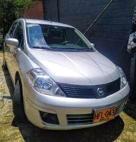Nissan Tiida 2014