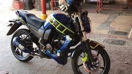 Vendo moto fz personalizada