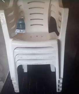 Mesa y 4 sillas polvorines