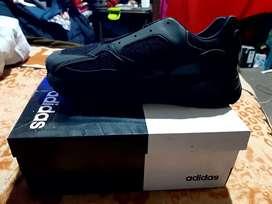 Zapatillas Adidas yeezy 700 - talla 40
