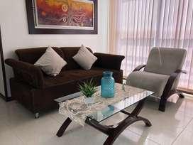 Sala de 2 en buen estado ( silla , auxiliar y mesa )