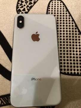 Vendo iPhone X de 256 en perfecto estado 10/10 precio poco negociable escribir o llamar  solo interesados Gracias