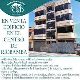 SE VENDE EDIFICO EN EL CENTRO DE RIOBAMBA