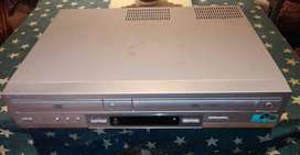 DVD PLAYER / VIDEO CASSETTE RECORDER SLV-D910