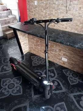 Scooter/ Patineta electrica Migo comfort 700 watts doble suspension