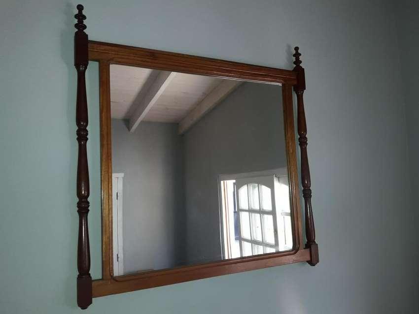espejo enmarcado. 0