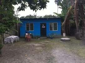 Vendo casa con solar vía Buena Fe kilómetro 7 1/2 , precio negociable