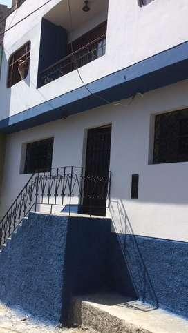Vendo casa de 3 pisos en la victoria