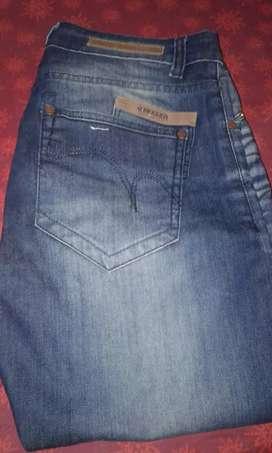 Vendo jeans TAVERNITI